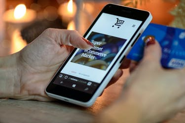 e-commerce and the retail and cpg industry